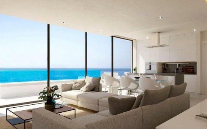 276-03-wohnung-kaufen-costa-del-sol-wohnraum-und-kueche-mit-meerblick